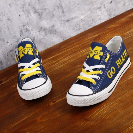 Michigan_Wolverines_Limited_Print_NCAA_College_Students_Low_Top_Canvas_Shoes_Sport_Sneakers_T_DV217L_1564916672731_1