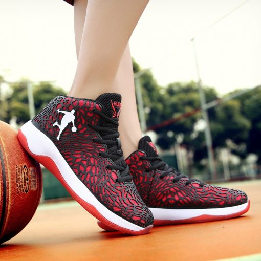 Man Lightweight Basketball Shoes Breathable Anti slip Basketball Sneakers Men Lace up Sports Gym Ankle Boots 4