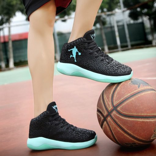 Man Lightweight Basketball Shoes Breathable Anti slip Basketball Sneakers Men Lace up Sports Gym Ankle Boots 5