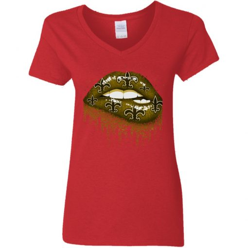 Biting Glossy Lips Sexy New Orleans Saints NFL Football Women V-Neck T-Shirt