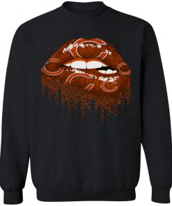 Biting Glossy Lips Sexy Chicago Bears NFL Football G180 Crewneck Pullover Sweatshirt 8 oz.