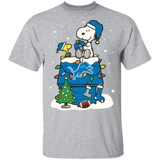 A Happy Christmas With Detroit Lions Snoopy T-Shirt