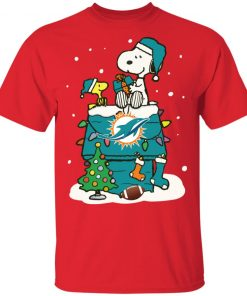 A Happy Christmas With Miami Dolphins Snoopy Shirts Men's T-Shirt