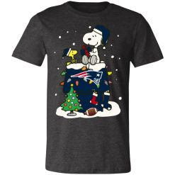 A Happy Christmas With New England Patriots Snoopy Unisex Jersey Tee
