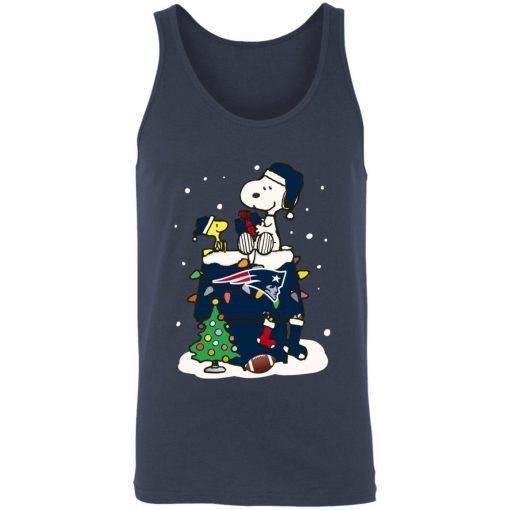 A Happy Christmas With New England Patriots Snoopy Unisex Tank