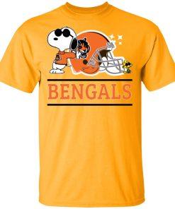 The Cincinnati Bengals Joe Cool And Woodstock Snoopy Mashup Men's T-Shirt